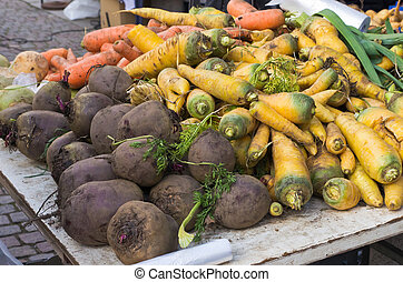Root vegetables. - Root vegetables for sale at farmers...