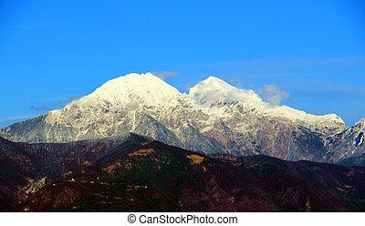 Snowy mounatin - snowy, mountains, , nature, autumn,...