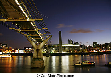 Tate Modern at Night - Tate Modern (the disused power...