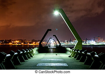Very long watercut in the night city Coatzacoalcos 2 - Very...