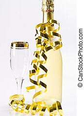 Champagne, glass and New Year's Eve - Sekt,Glas und...