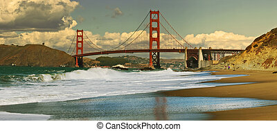 Panoramic view on Golden Gate bridge - Panoramic view on...