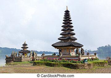Ulun Danu - Pura Ulun Danu, Bali, Indonesia