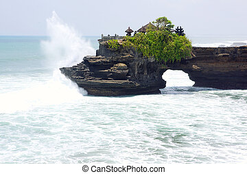 Balinese temple Batu Bolong - Balinese temple Tanah Lot...