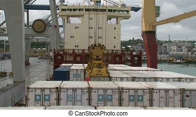 Unloading Container - unloading of containers from ship