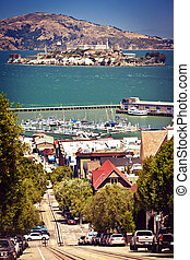 Cable Car with in San Francisco - Cable Car with Alcatraz in...