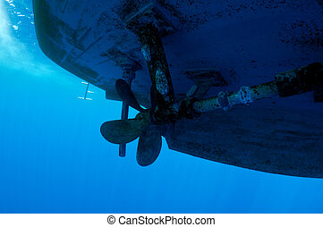 propeller ship dangerous for divers, underwater view