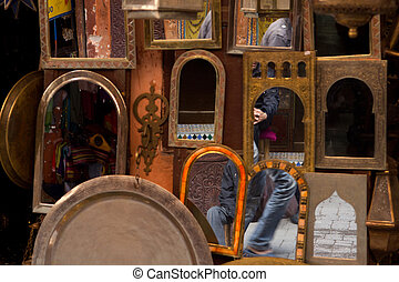 Mirrors located in Old Medina - Mirrors on sale - reflecting...