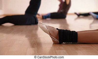 Adult Contemporary Dance Classes - Weekly workout in dancing...