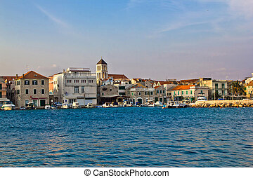 Adriatic town of Vodice waterfront, Dalmatia, Croatia -...