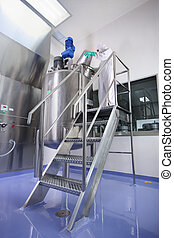 PHARMACEUTICAL MANUFACTURING - Specialized workers at...