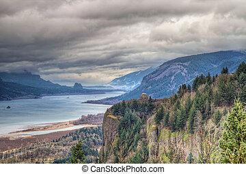 Columbia River Gorge Scenic View in Oregon - Columbia River...