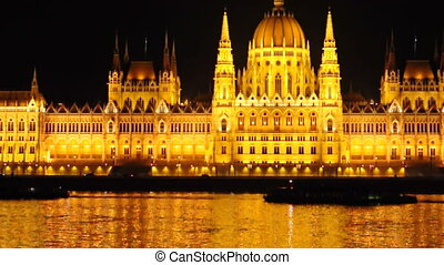 Footage of the Hungarian parlament at night