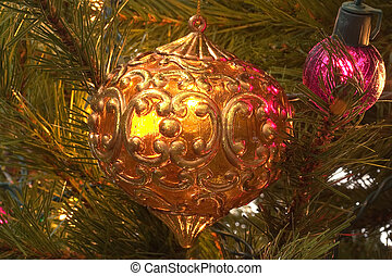 Christmas Ornament Stained Glass