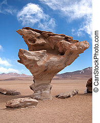 Stone tree, arbol de piedra, in Bolivia - The famous rock...