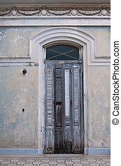 Doorway in Cienfuegos, Cuba - Cuba - colonial town...