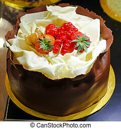 Chocolate cake - Tasty chocolate cake with strawberry...