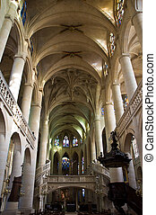 Nave of Etienne cathedral - Nave and pulpit of Etienne...
