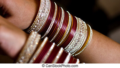 BANGLES IN HAND - PICTURE OF BANGLES IN HAND OF AN INDIAN...