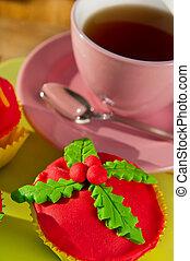 Christmas cupcake by the tea - Colorful handmade Christmas...