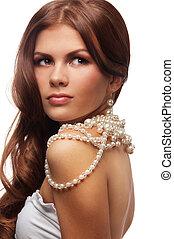 Yung, mujer, perlas, collar