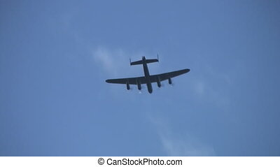 Lancaster - World war 2 bomber - Avro Lancaster u2013 flies...