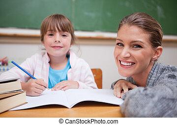 colegiala, escritura, ella, profesor