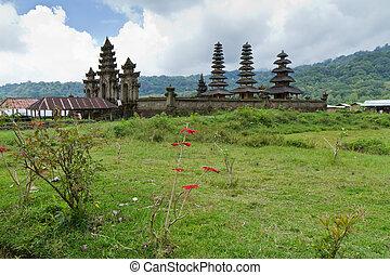 Pura Gubug - temple Pura Gubug at Danau Tamblingan lake,...