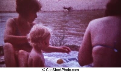PICNIC -Vintage Super8 Film - Happy Baby 1964 - vintage 8mm...