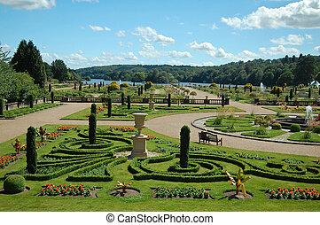 Formal landscaped gardens