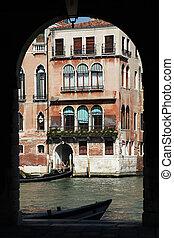 Archway Mercato di Rialto Venice - a archway at the Rialto...