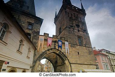 Prague. Charles bridge, Mala Strana gate - from bridge...