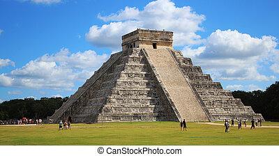 Chichen Itza Pyramid - Main pyramid at the Chichen Itza...