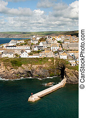 Port Isaac - view of the village of Port Isaac in Cornwall