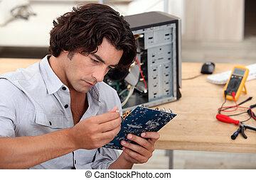 hombre, reparación, PC
