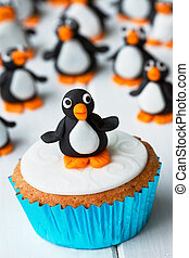 Penguin cupcake - Cupcake decorated with a sugar penguin