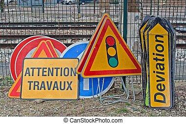 road markings - storage of road markings