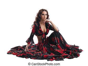 jovem, mulher, sentar, cigana, pretas, vermelho, traje
