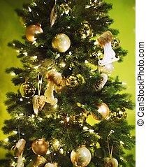 Decorated Christmas tree.