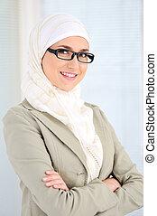 muçulmano, negócio, mulher, escritório