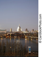 St Pauls Cathedral over Thames River - St Pauls Cathedral,...