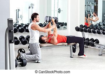 gimnasio, personal, entrenador, hombre, peso, entrenamiento