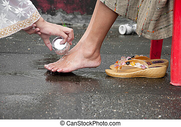 washing feet for mother in buddhism thai monk preparation