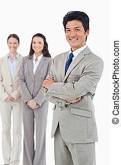 confiante, sorrindo, homem negócios, seu, empregados,...