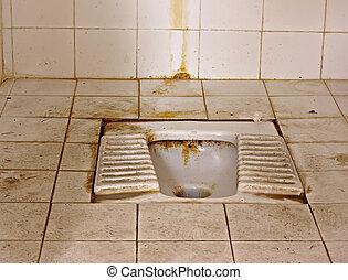 toaleta, siedzieć po turecku, typ, brudny