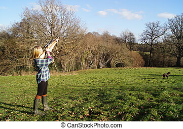 Girl out Shooting Game - Girl out in the countryside...