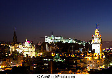 Night view of Edinburgh - View of Edinburgh Castle from...