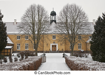 Yellow Manor House - The manor house at Moellerup near...