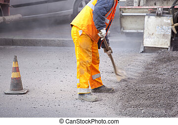 Worker in the street - Asphalt's Worker in the street