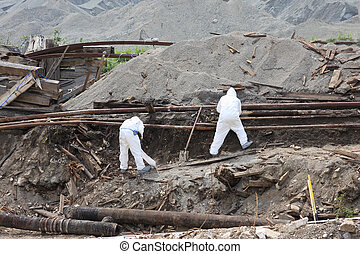 Working men - Men working in dangerous conditions